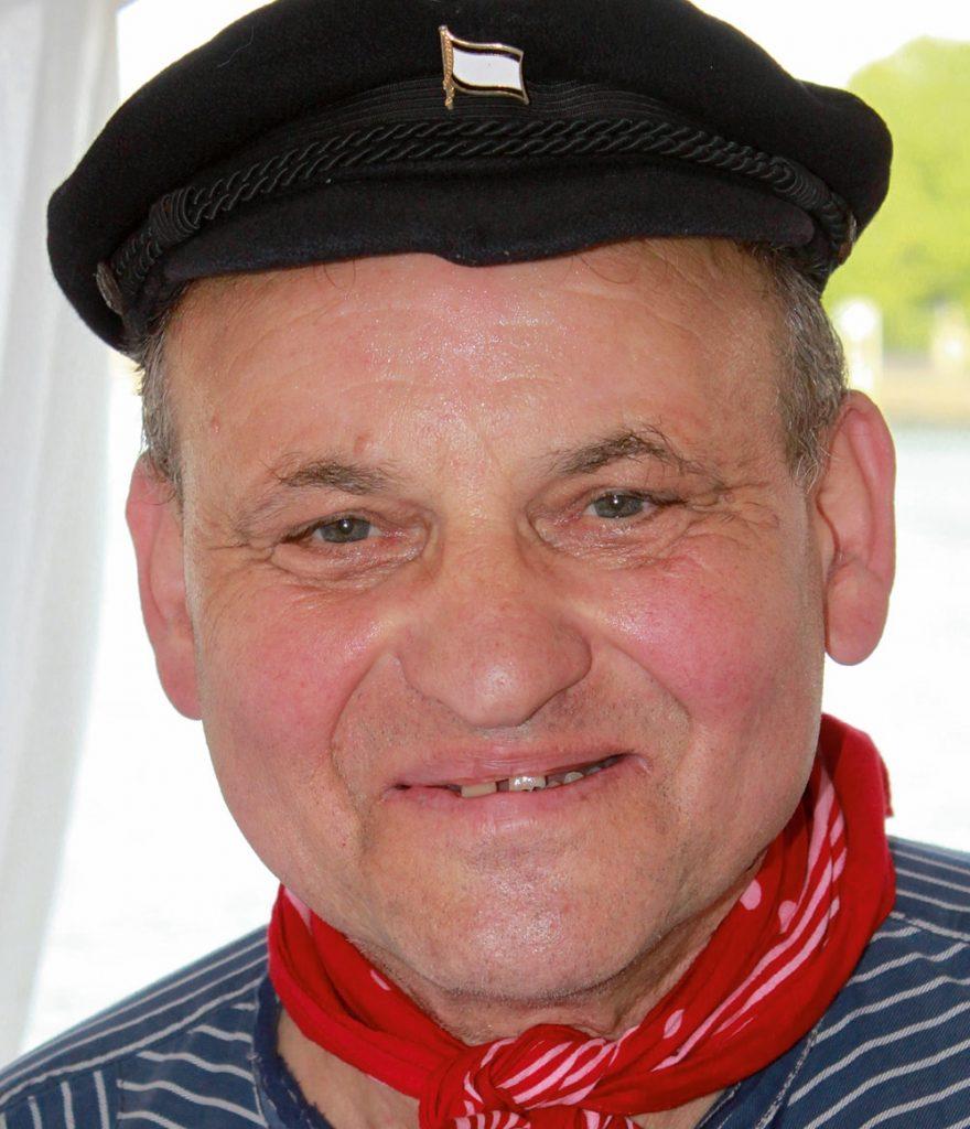 "Udo-Fritz Geishirt – ""Zeitungs Fritze"""